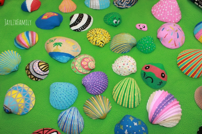 Coloriage coquillages Posca