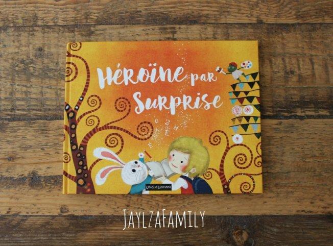 Héros par surprise / Héroïne par surprise Unique Editions Livres personnalisés